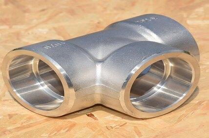 ASTM A182 F22 Alloy Steel Socket Weld Cross